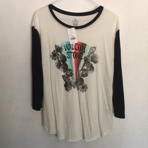 Volcom Stone cream with black sleeves